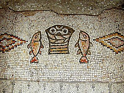 Tabgha_mosaic_of_fish_and_loaves_tb_n011500_wr[1]